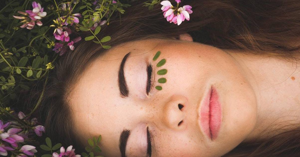 Naturalne odmładzanie w moim wykonaniu – na noc niemal nic nie nakładam na twarz